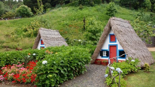 As típicas casinhas de Santana.