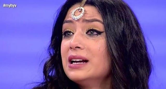 Iván expulsa a Paula por llorar