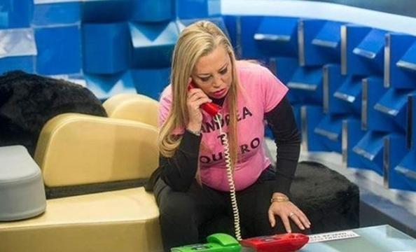 Belén Esteban descubre el teléfono rojo
