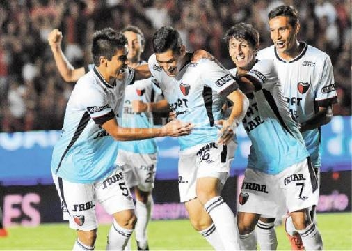 Colón sorprendió a Boca con gol de Guanco