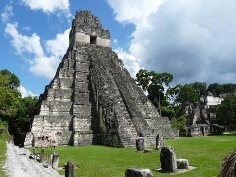 Gran jaguar, un templo maya en Tikal