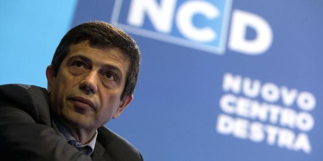 Maurizio Lupi valuta le dimissioni