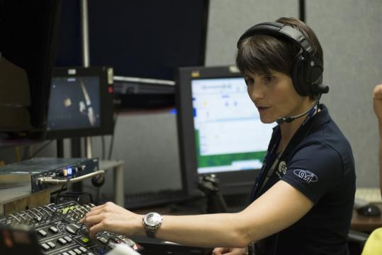 Samantha Cristoforetti ISS robotic arm training.