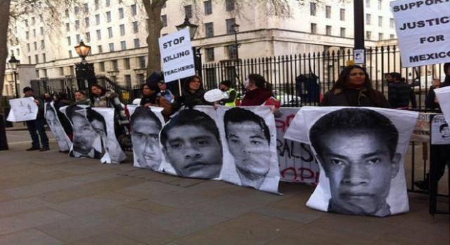 Recordaron a los 43 estudiantes desaparecidos