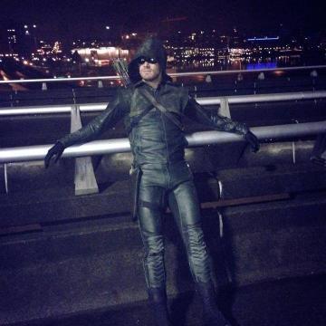 Stephen Amell, dans la peau de Green Arrow.