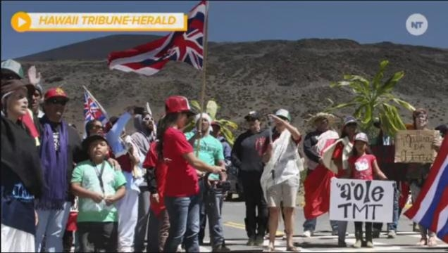 TMT - Manifestantes com cartazes