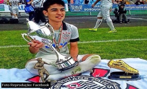Fabrício Oya ganhou 3 troféus na mesma competição