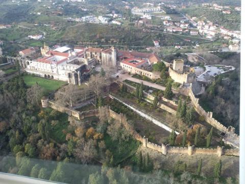 Castelo de Tomar à imagem da constelação do Boeiro