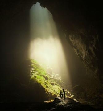 Em fusão com a natureza iluminados pelo sol