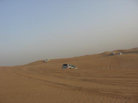 Camionetas 4x4 en el desierto de Dubai