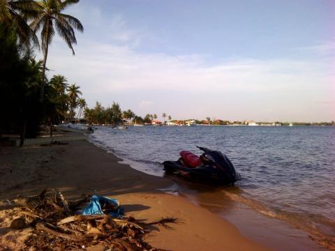 Prespetiva da praia na Ilha do Mussulo