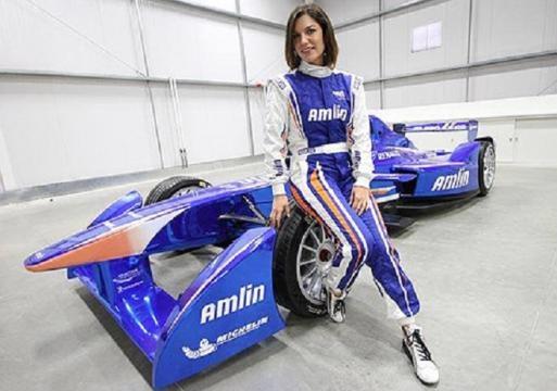 Katherine Legge fait partie du Team Amlin Aguri