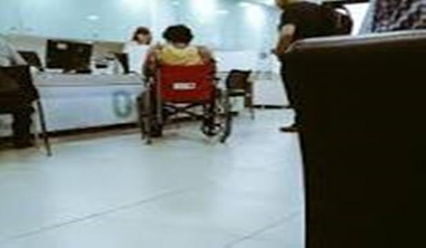 Pedro es atendido en el hospital por un cristal