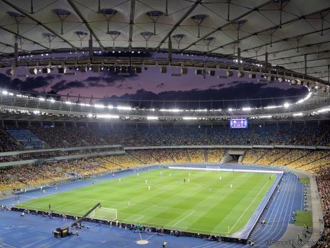 La rencontre a lieu au Stade Olympique de Kiev