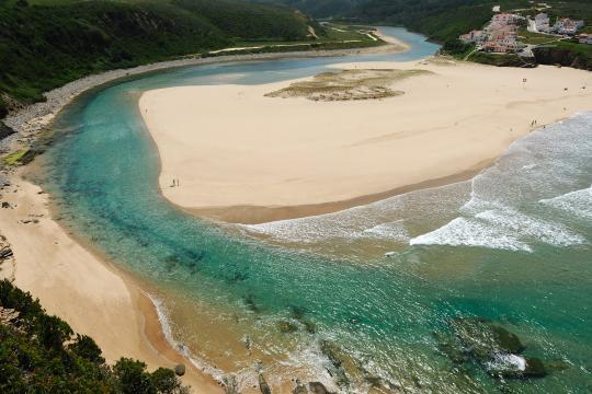 Praia de Odeceixe no concelho de Aljezur