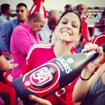 Actriz da TVI festeja a vitória do Benfica