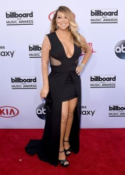 Mariah Carey, dejando ver sus curvas