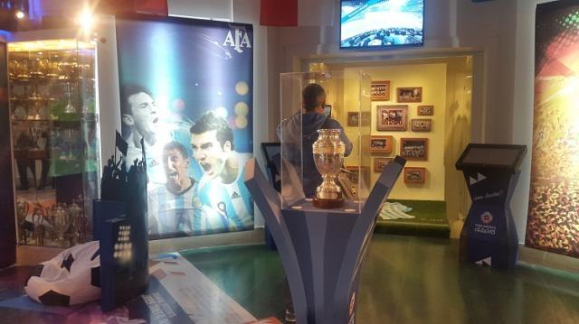 La anhelada Copa América está exhibida en la AFA