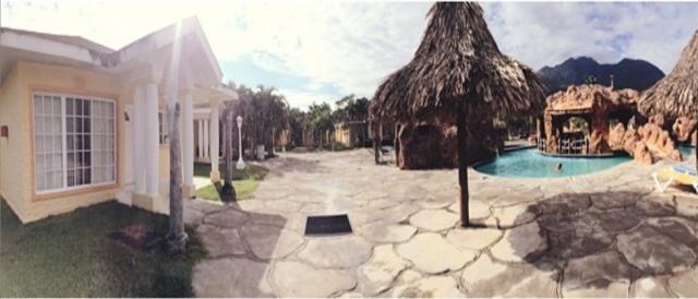 El equipo se aloja en las villas de un Hotel