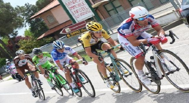 Suivez la 12e étape du Giro en direct : 5 échappés