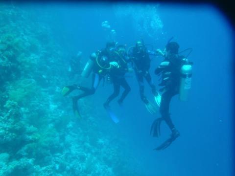El grupo de buceo en el Blue Hole Dahab