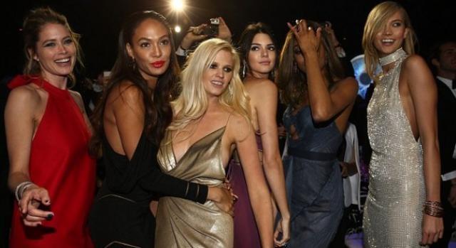 Foram várias as modelos a deslumbrarem em Cannes
