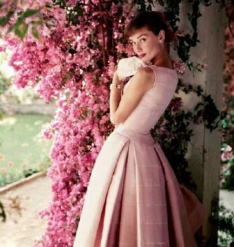 Exposição com fotos de Audrey Hepburn, em Londres