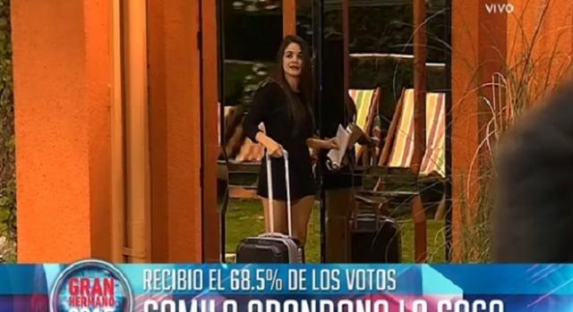 Camila en la puerta, cerca de salir de GH.