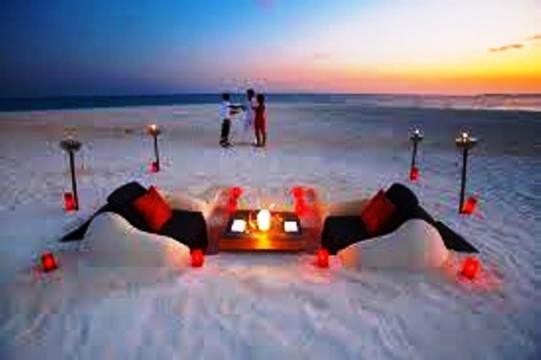 Una cena en la playa privada