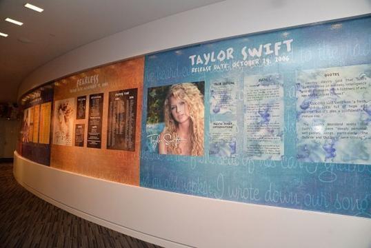 Exhiben piezas de Swift en el museo del Grammy