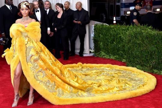 Rihanna y su vestido