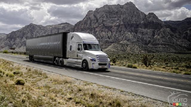 Camião inteligente da Daimler circula nos EUA