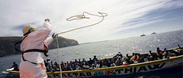 Rettungsaktion von Flüchtlingen im Mittelmeer
