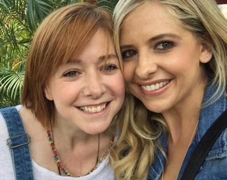 Buffy y Willow disfrutaron de una fiesta