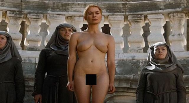 Game of Thrones : Lena Headey pendant la marche.