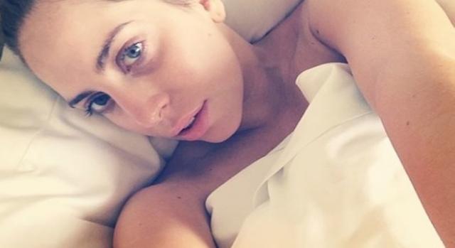 Lady Gaga se dévoile aussi sans maquillage.