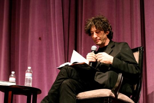 Our beloved Neil Gaiman talks with the fans