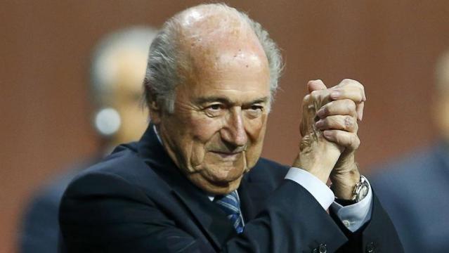 Sepp Blatter réélu à la FIFA, le prince Ali battu