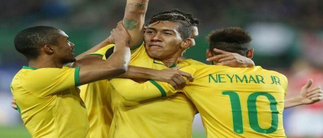 Firmino não teve bom desempenho contra a Colômbia