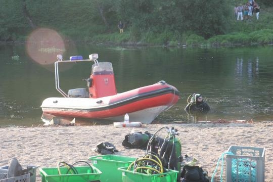 Equipa de mergulhadores bateram zona.