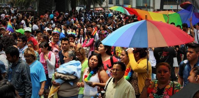 Miles de personas abarrotaron Reforma 02