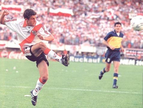 Golazo de Aimar a Boca en el AP 1999