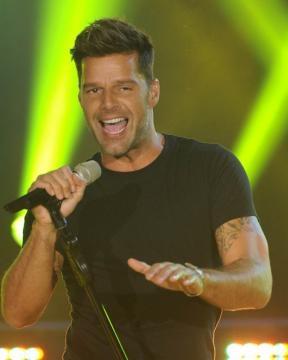 Ricky Martin en su último tema de ayer a la noche.