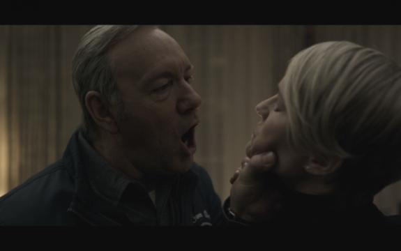 Frank droht seiner Frau Claire