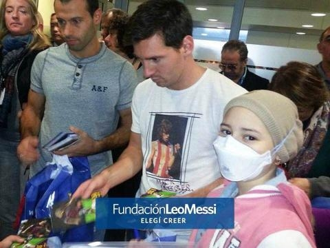 Messi aporta en la lucha contra el cáncer (FLM)