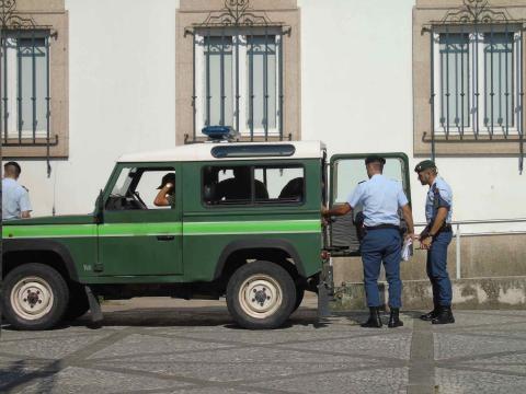Indivíduos têm mandado de captura internacional.