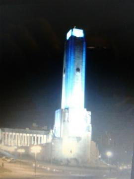 Vista de noche Monumento a la Bandera, Rosario.