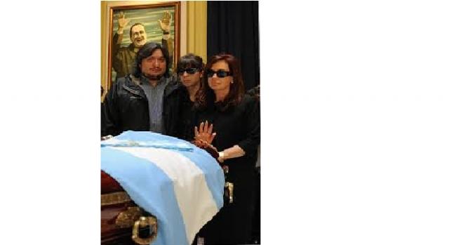 Máximo Kirchner en el velatorio del expresidente