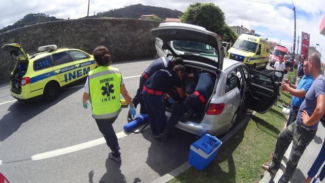 Acidente cortou EN13 na freguesia de Belinho.