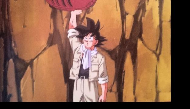 Goku evitando la caída del tractor